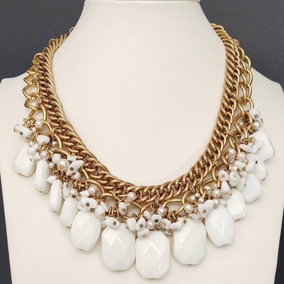 Lilly Pulitzer white beaded statement necklace